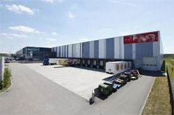 Hulshoff huurt 9.250 m2 logistieke ruimte in Amsterdam