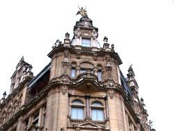 Redevco brengt oude glorie van INNO Antwerpen terug