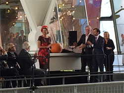 Koningin Máxima opent Markthal Rotterdam
