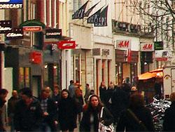 ING: in kledingsector 40 procent minder winkelruimte nodig