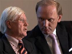Obligatiehouders Bouwhuis zetten Hans Wiegel aan de kant