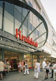 Dienstverleners verdwijnen uit winkelstraten