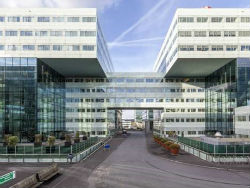 Huawei huurt 5.875 m2 in Amsterdam ZO