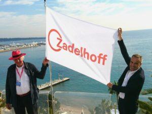 Cor van Zadelhoff (links) en Maarten Feilzer tonen de nieuwe naam van Brouwershoff