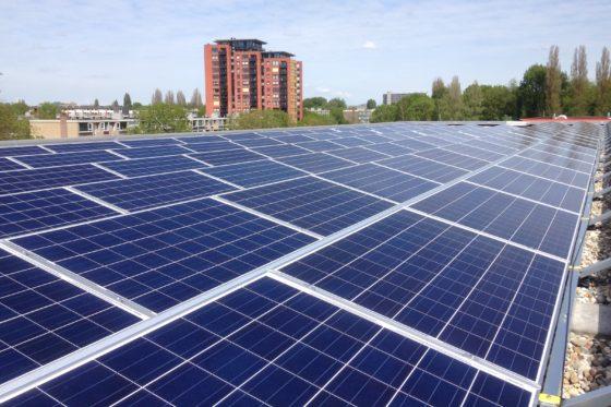 NSI plaatst zonnepanelen op 23 gebouwen