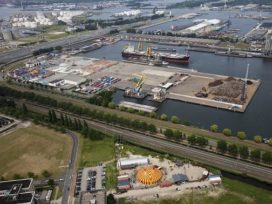Havenbedrijf Amsterdam tegen bouwplannen in en om haven