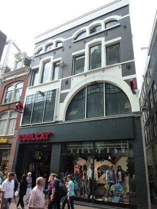 Kroonenberg Groep verhuurt aan Under Armour in Kalverstraat