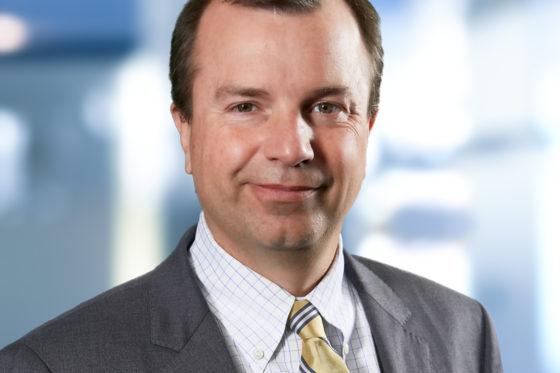 Bert van den Hoek commissaris bij Equity Estate