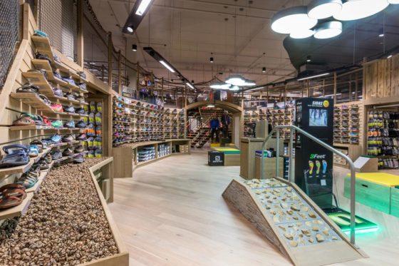 Eerste winkel Bever in Zeeland