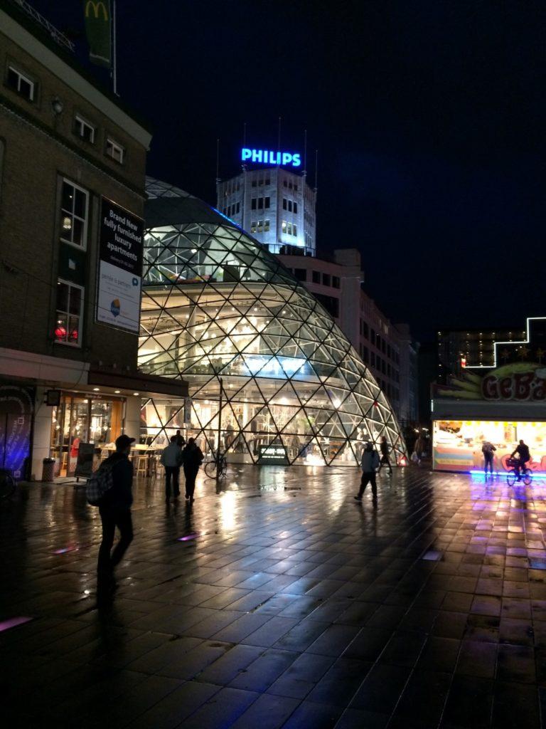 Binnenstad Eindhoven bij nacht