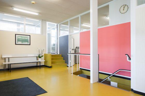 Vanwonen betrekt kantoorgebouw van Rietveld