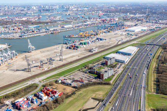 Hoofdkantoor Neele-Vat in haven Rotterdam