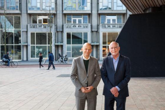 Voorzitter van de raad van bestuur Bert Wijbenga van Nieuwenhuizen van Woonbron en  directeur Marius Meurs van Groothandelsgebouwen, foto Sylvana Lansu