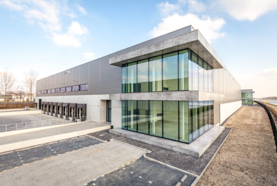 DHG verhuurt 13.597 m2 logistiek in Rotterdam