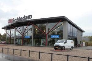 Volvo-dealer Harrie Arendsen huurt in Almelo