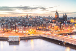 'Woningprojecten niet haalbaar in Amsterdam'
