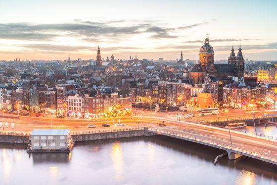 Amsterdam verlaagt WOZ van erfpachters met 2 procent