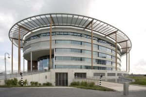 Kantoorgebouw De Ovaal naar consortium