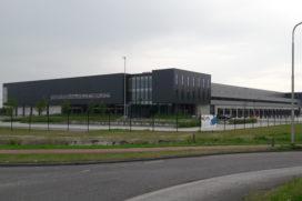 Tesla opent logistiek complex in Tilburg