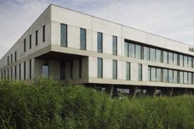 Rudolf Veldhoven Exploitatiemaatschappij verkoopt pand in Alphen