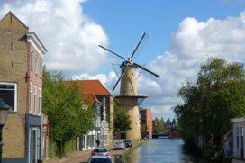 Primeur voor Schiedam: vergunningplicht voor pandjesbazen