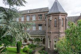 Projectontwikkelaar SOM koopt Utrechts klooster