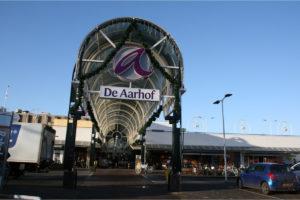Wat betaalde HAL voor winkelcentra Alphen en Veldhoven?