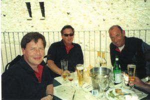 Dick Cohen rechts)