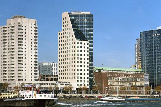 AEW koopt twee kantoren in Rotterdam
